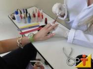 Capacitação de manicure e pedicure - história do esmalte