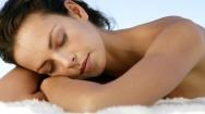 Pesquisas comprovam que o sono de beleza funciona. Foto: Veja.