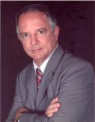"""""""Temos grande credibilidade junto à sociedade brasileira porque nossos cursos são elaborados em convênio com as principais instituições de ensino, pesquisa e extensão do país"""". (Prof. Nelson Maciel, presidente do Grupo CPT"""