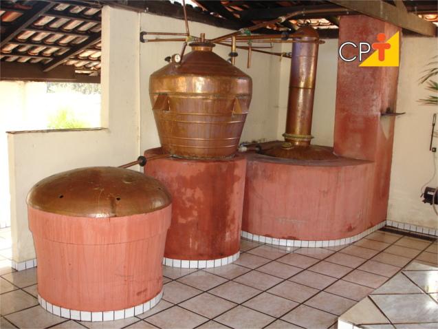 Produção de alcool combustivel na fazenda