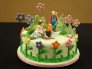 É necessário oferecer produtos de qualidade e com uma decoração criativa, para realizar o sonho de crianças, debutantes e noivas.