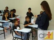 É comum a criança com TDA/H perder a atenção no que o professor está falando