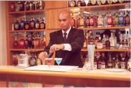 Bartender, especialista em coquetéis, diversão e arte