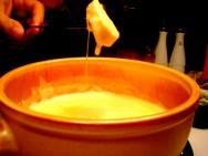 Fondue é um dos pratos preferidos no inverno