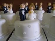 Minibolos de casamento são alternativa para as festas