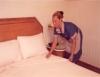 Camareiras têm o compromisso de manter os apartamentos limpos e aconchegantes