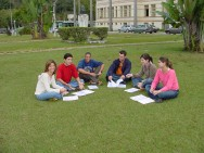 A educação escolar compõe-se de: educação básica e educação superior