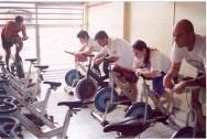 Academias de ginástica são uma boa opção para otimizar a saúde