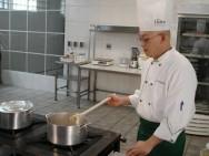 Cozinha básica: receitas de molhos quentes