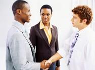 Aprenda Fácil Editora: Linguagem Corporal Pode Colaborar Durante Processo de Negociação.