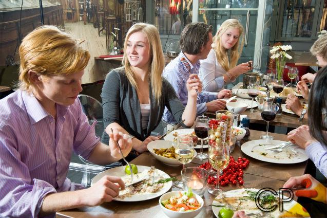 Festas comemorativas: aprenda a receber amigos e familiares em sua casa   Artigos Cursos CPT