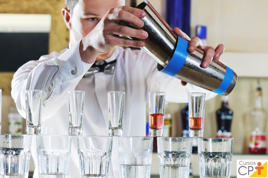 Especial treinamento de Barman: o que deve compor um bar básico?   Artigos CPT