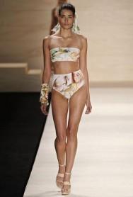 Cintura alta domina a moda verão