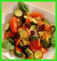 Culinária: receitas de Salada Ratatoille e Salada Waldorf