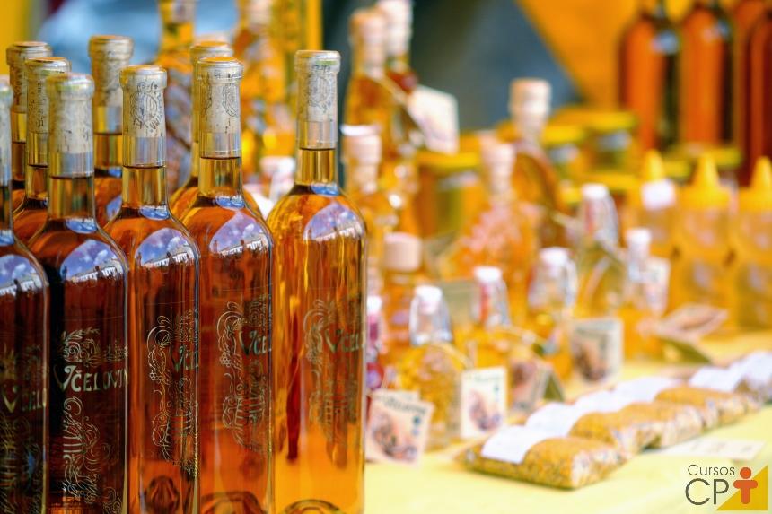 Processamento de mel puro e composto: um investimento de lucro certo   Artigos CPT