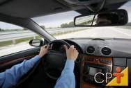 Se o motorista realiza algum transporte para a empresa do empregador está descaracterizada a atividade doméstica