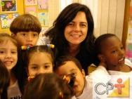 Com a família canudo é possível desencadear um trabalho para o desenvolvimento da expressão gestual e oral.