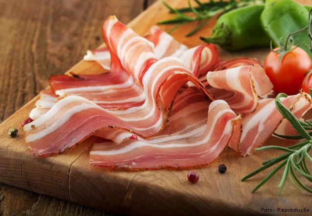 Bacon defumado - fonte de renda extra em 5 passos   Artigos Cursos CPT