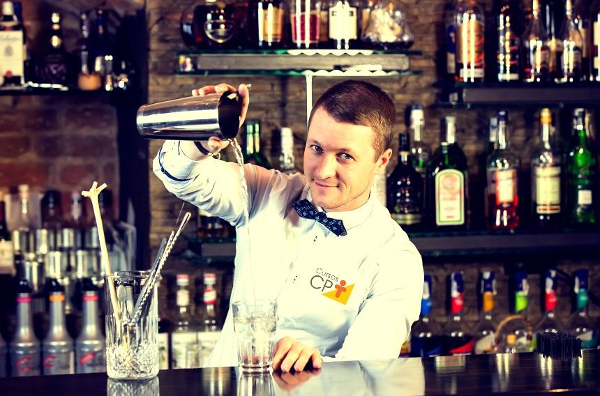 Profissão Barman - uma atividade muito procurada no mercado de trabalho   Artigos CPT