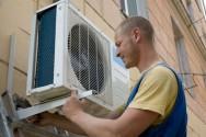 Instalador de ar-condicionado: uma profissão muito procurada no verão