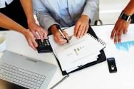Analise os gastos, os valores e os compromissos da família para descobrir onde está sendo gasto o dinheiro