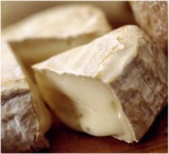 Consumidores que preferem o queijo mais forte, o apreciam com até 60 dias de maturação.