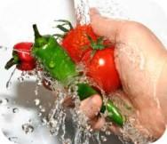 Lave bem os alimentos antes de consumi-los, eles podem estar contaminados
