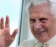 O papa renunciou ao cargo e pegou todos de surpresa