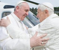 O papa Bento XVI deixou o cargo para o novo papa Francisco I