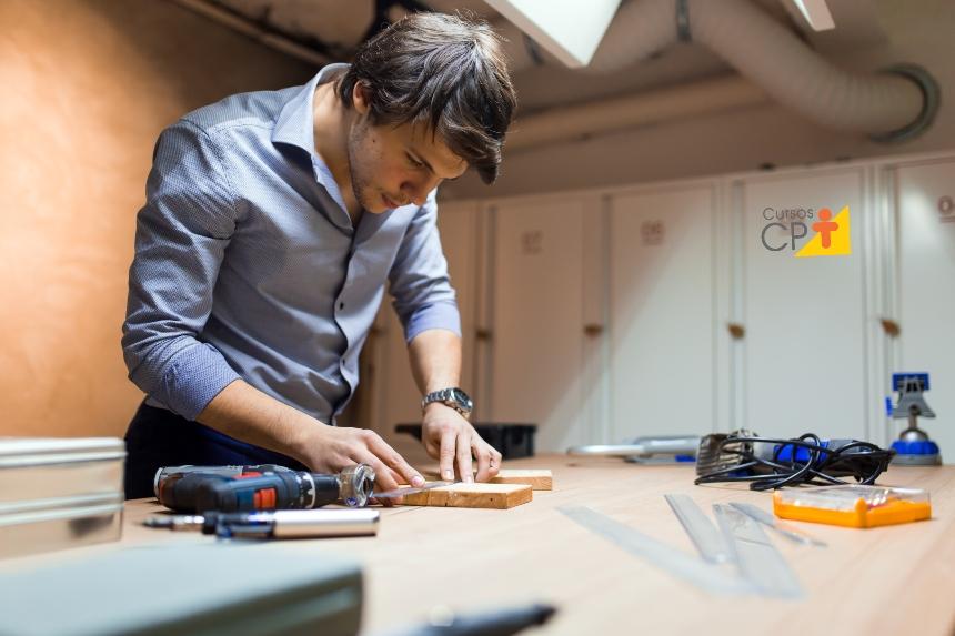 Laminação em madeiras para a fabricação de móveis   Cursos CPT