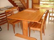 A madeira de eucalipto oferece potencial de uso para a confecção de móveis rústicos, tendo garantia de mercado e preços atraentes.