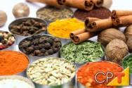 A canela é um dos ingredientes utilizados no quentão.