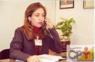 Quando falar ao telefone use uma voz alegre, clara e calorosa.