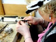Fabricação e Reparo de Joias - fazer fios, tubos e elos