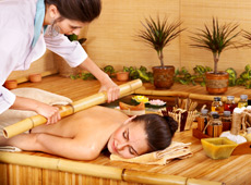 Massagem Modeladora e Bambuterapia