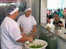 Capacitação para Cozinheira - Merendeira Escolar - Como Conservar, Preparar e Distribuir os Alimentos