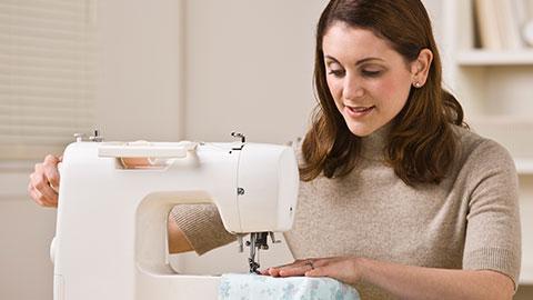 Relação de cursos na área de confecção de roupas