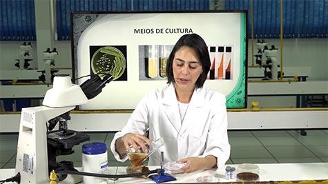 Preparo de Meio de Cultura para Micro-Organismos